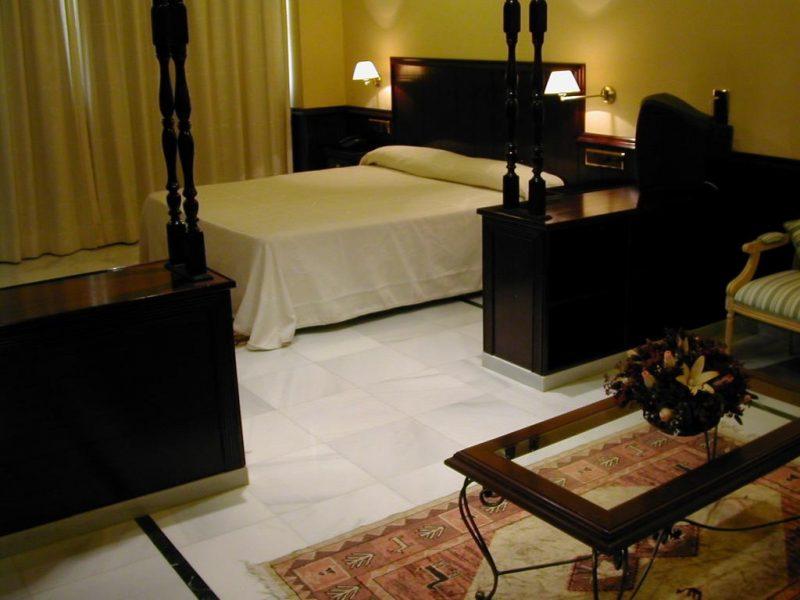 Habitación Hotel Las Acacias Puente Genil Córdoba